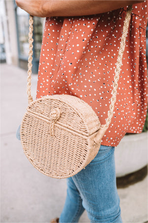 Round Straw Picnic Crossbody - BluePeppermint Boutique