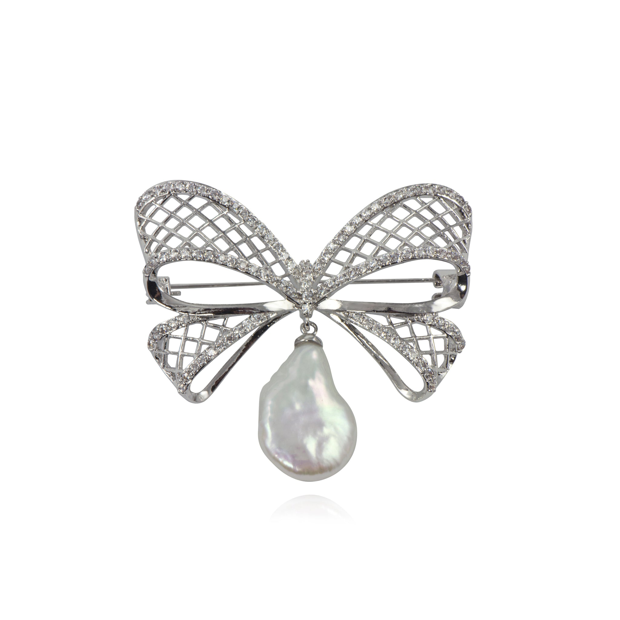APPLES & FIGS - BUTTERFLY BAROQUE PEARL BROACH