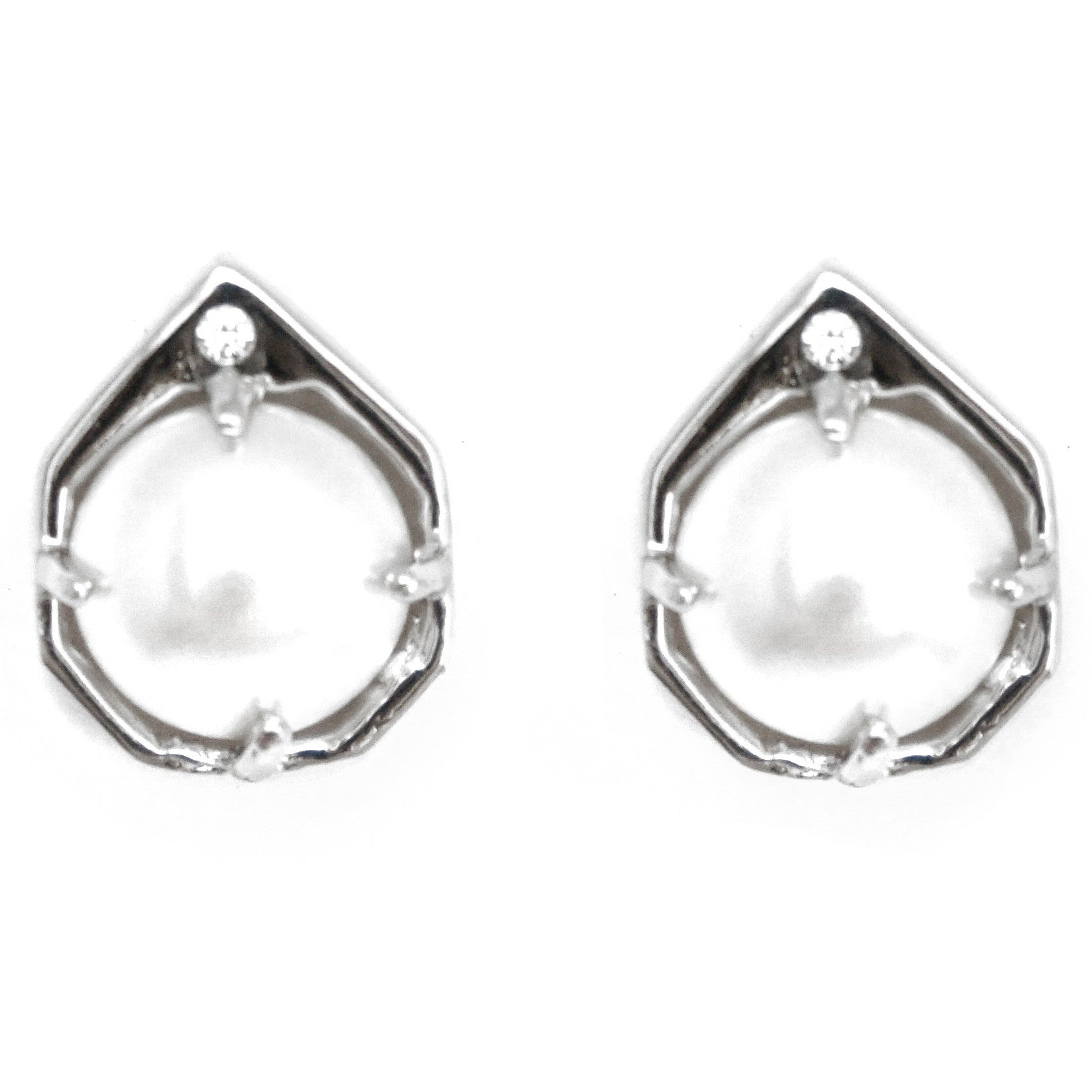 CAROLYN COLBY - SILVER ECLIPSE STUD PEARL EARRINGS