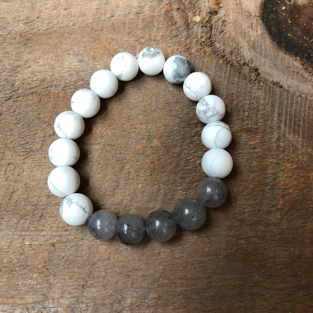 Gray and White Howlite Beaded Bracelet
