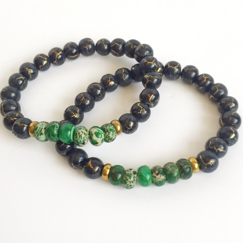 Green jade and black beaded bracelet