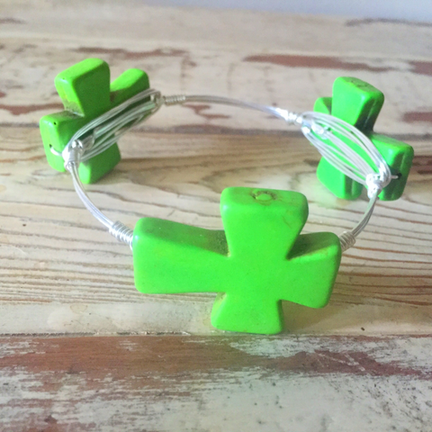 Green cross wire wrap bracelet