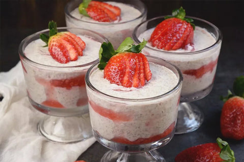 Low-Carb Strawberry Cheesecake Chia Pudding
