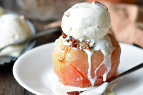"Pecan-Stuffed ""Baked"" Apples_bnmulti"