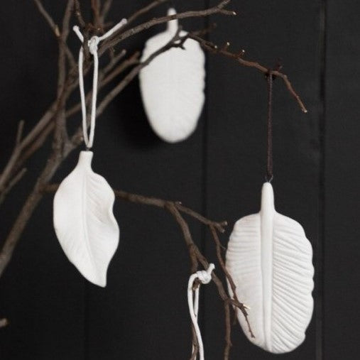Porcelain Hanging Thin Leaf
