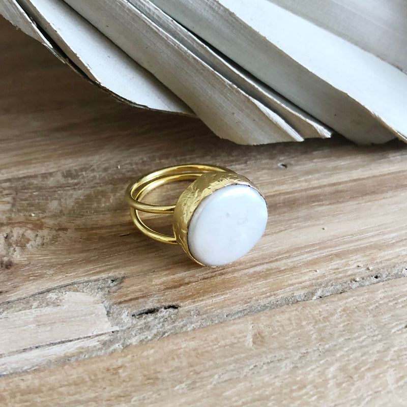 Tendai Mother Of Pearl Ring