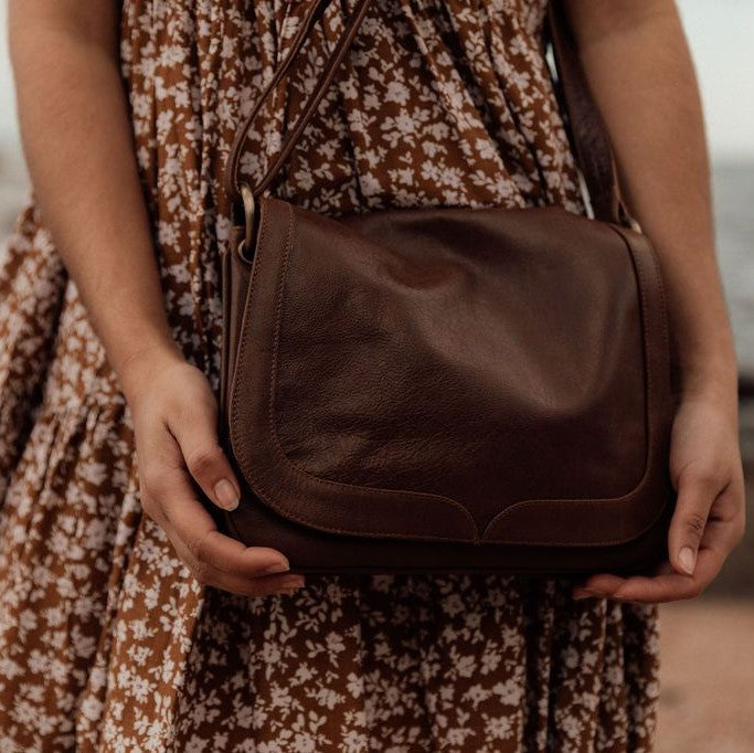 Molly Vintage - Walnut