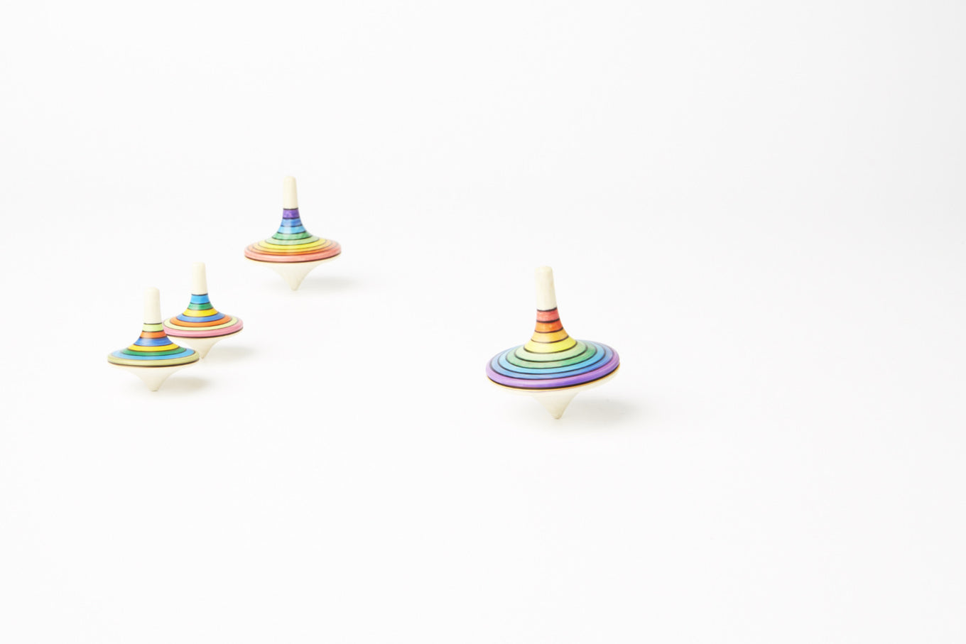 Rallye Large Rainbow Spinning Top | Red to Purple