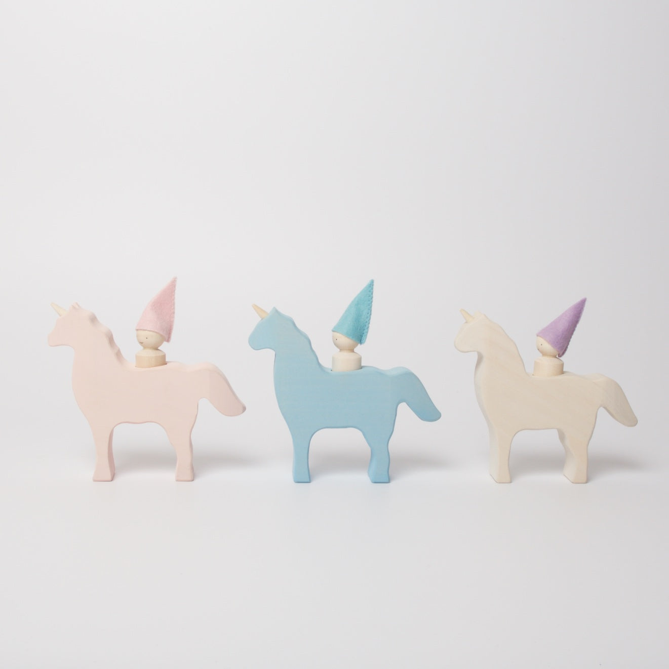 Unicorn With Gnome | White