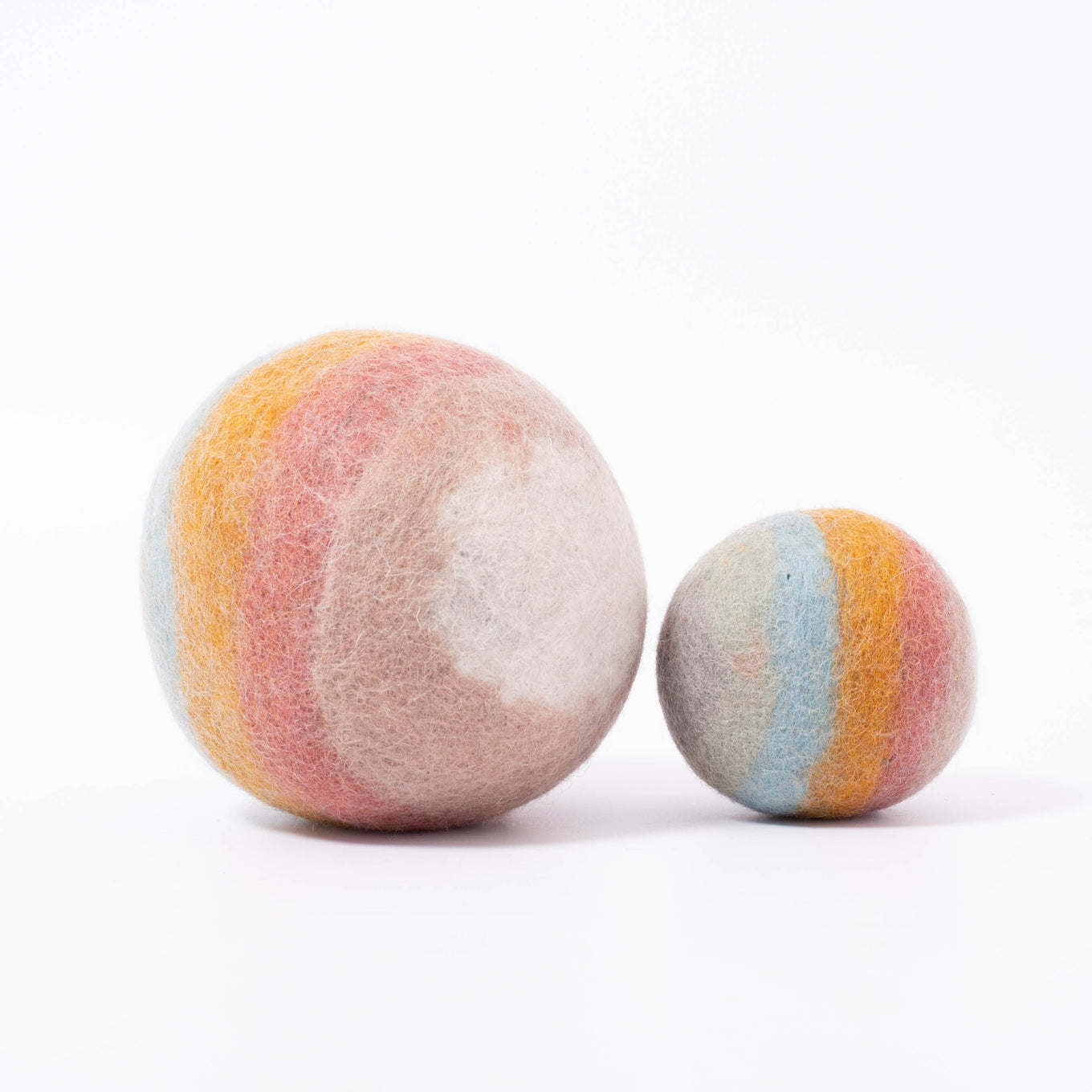 Earth Rainbow Balls/2pc