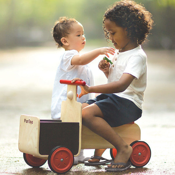 Delivery Bike by Plan Toys | Conscious Craft
