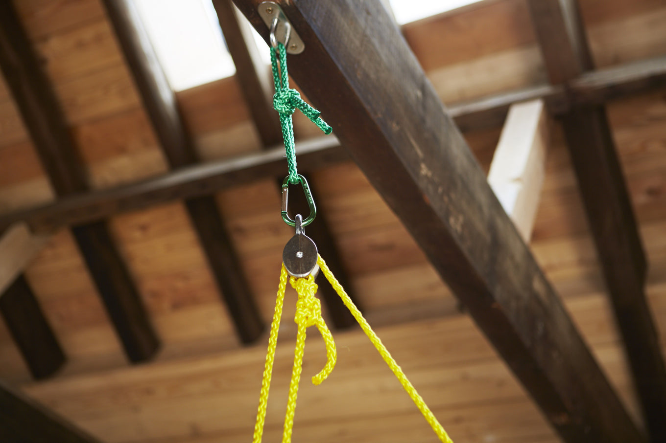 Large Pulley Set with Rope