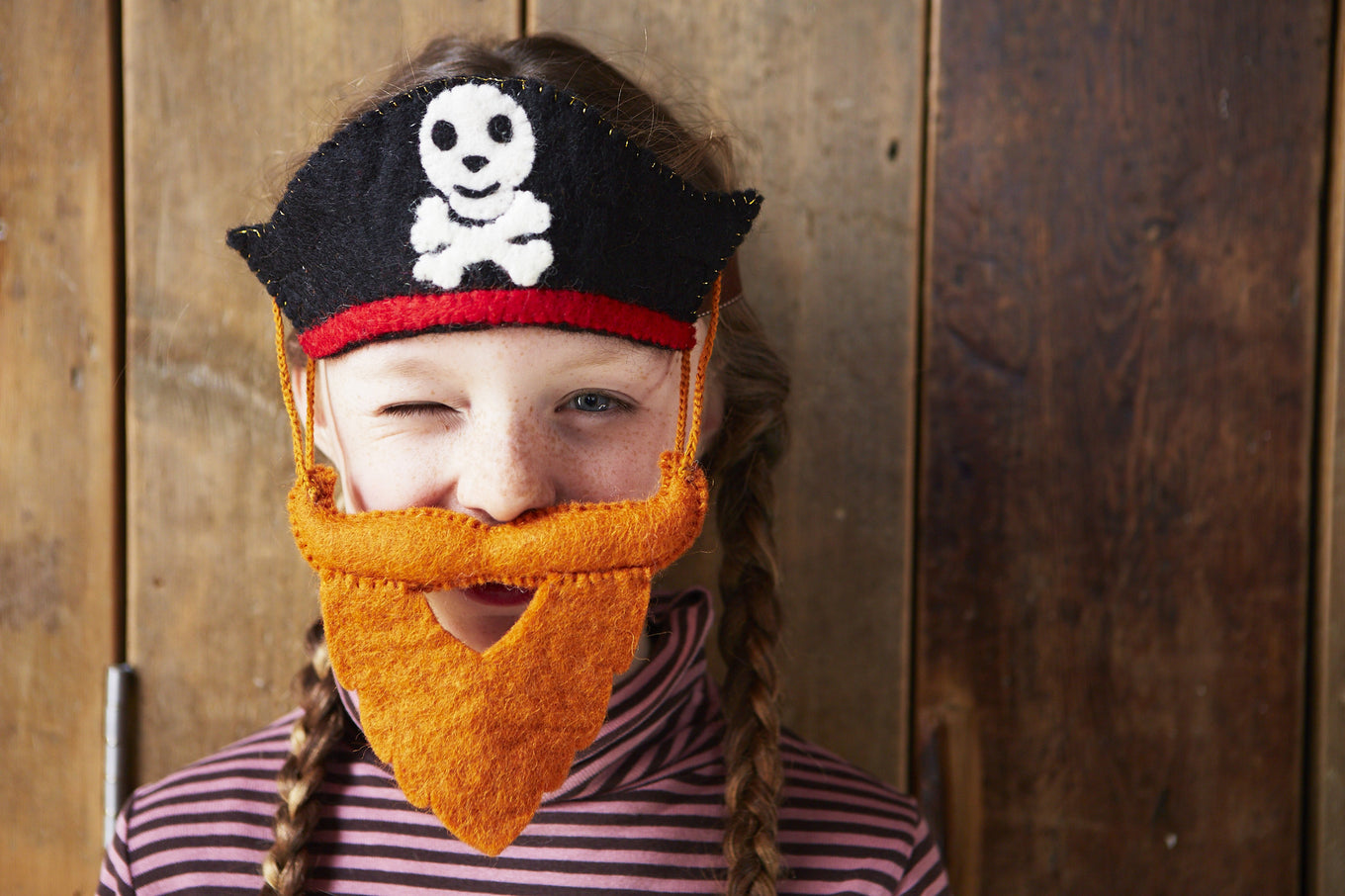Pirate Hat & Swashbuckling Red Beard