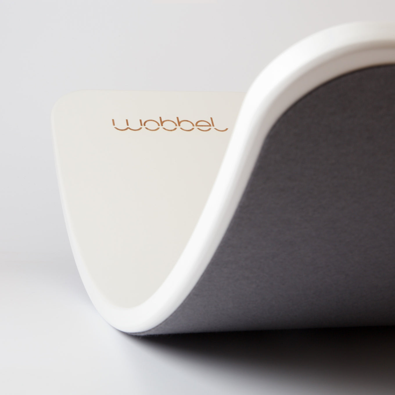 Wobbel Board | White with Mouse Felt