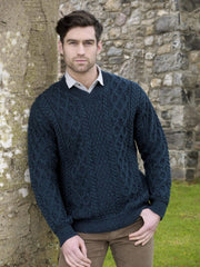 Traditionell V-neck Aran
