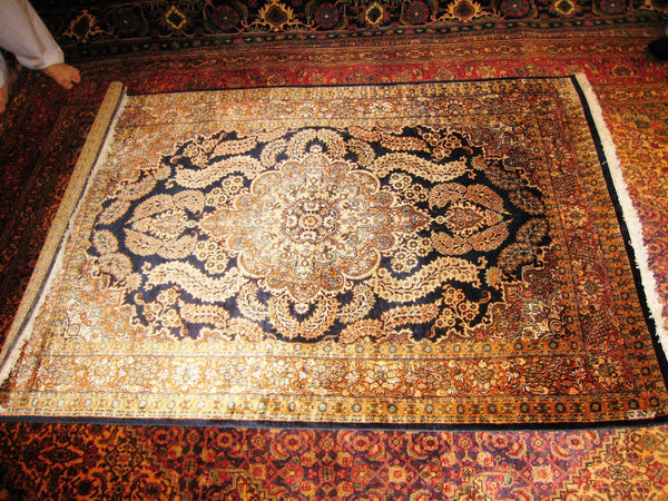 Persian Carpet Oriental Rug Pure Silk Kashmir Pakistani