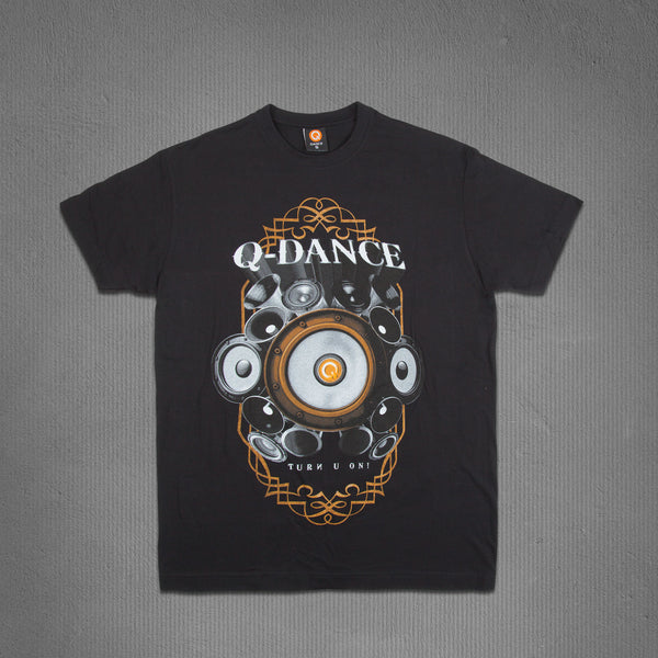 Q-dance_SpeakerTee_1