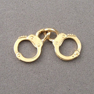 BD148 Handcuffs 14k Gold Plated Charm