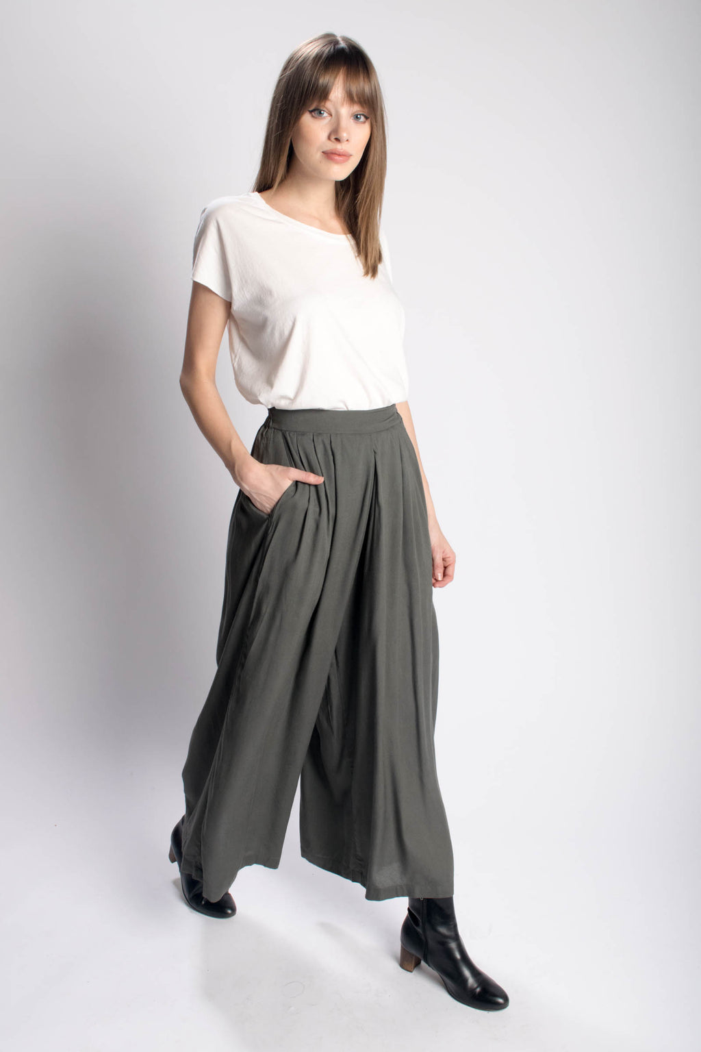 Rujuta Sheth High Waisted Wide Leg Pant Bead & Reel