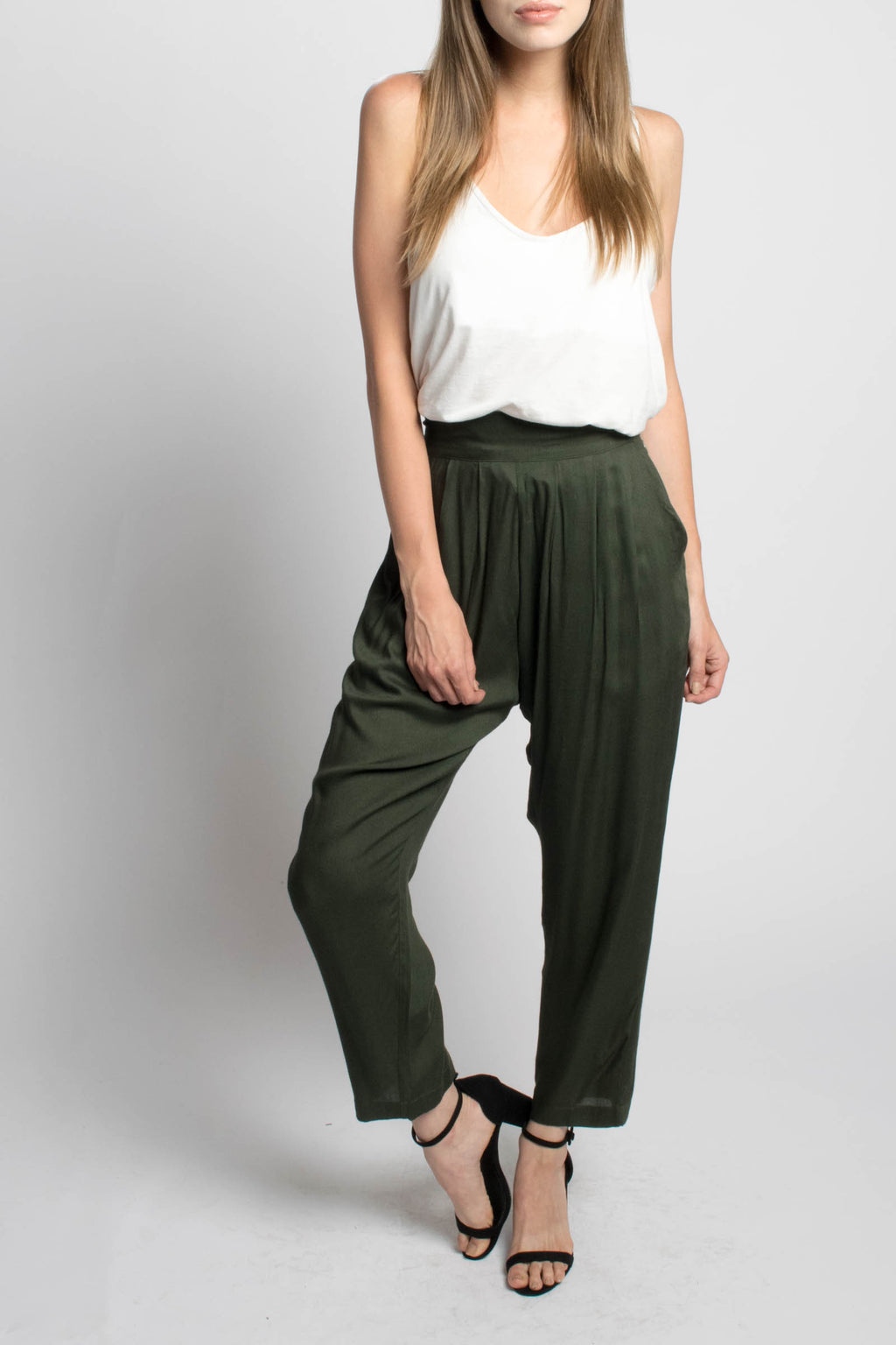 Rujuta Sheth High Waisted Tapered Pant Bead & Reel