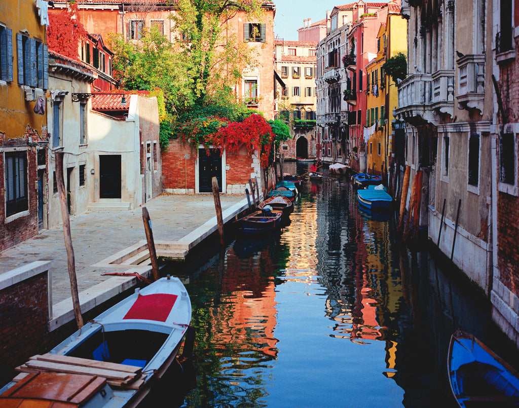 Canal and Colors