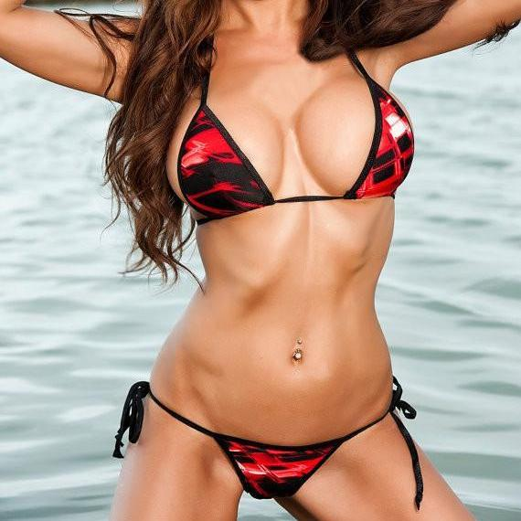 Sexy Model in Bitsy's Bikinis Scrunch Butt Two Piece - Red Bursts -Black String