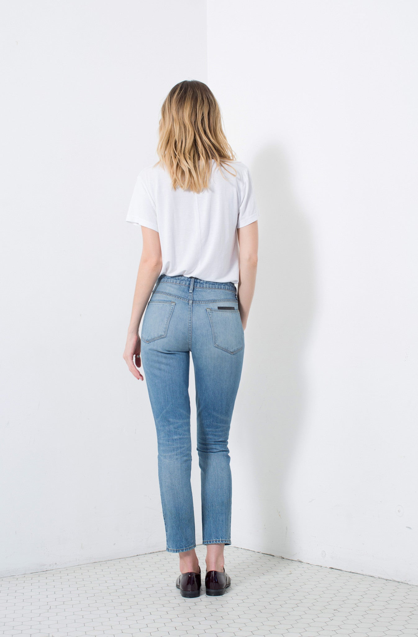 LOLA | Instantly Available | HIGH RISE SLIM
