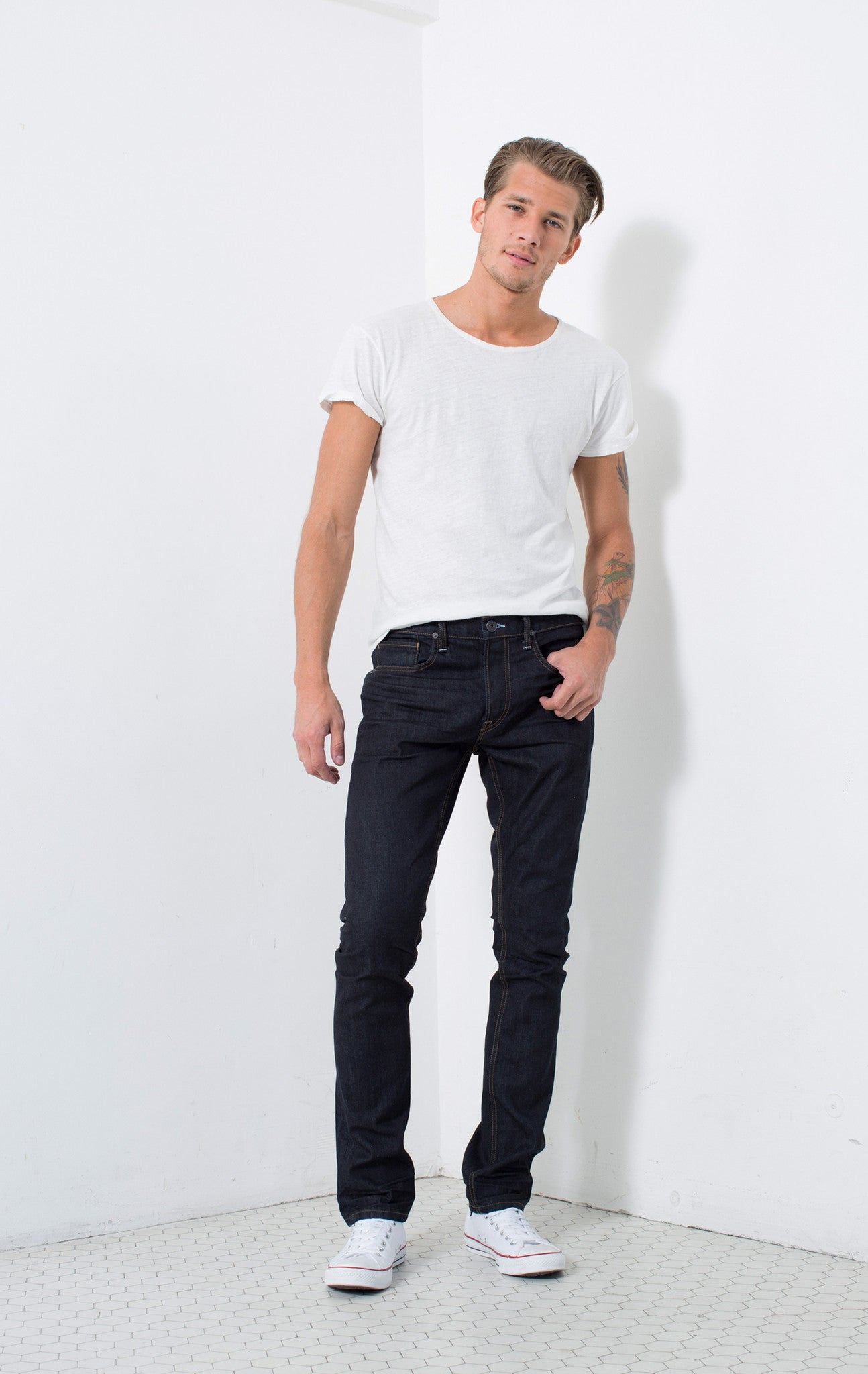 WARNER | Instantly Available | SKINNY FIT