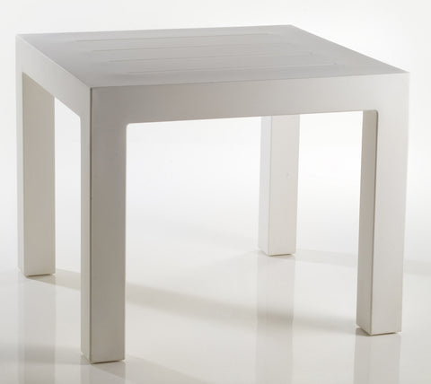 JUT SQUARE DINING TABLE