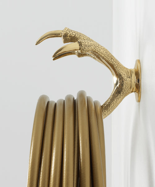 FALCON CLAW HOSE HOLDER IN BRASS