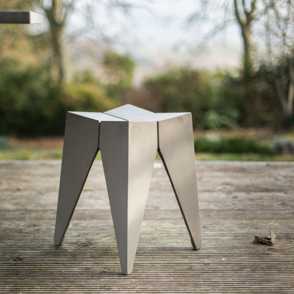 MODERN SCULPTURAL CONCRETE STOOL