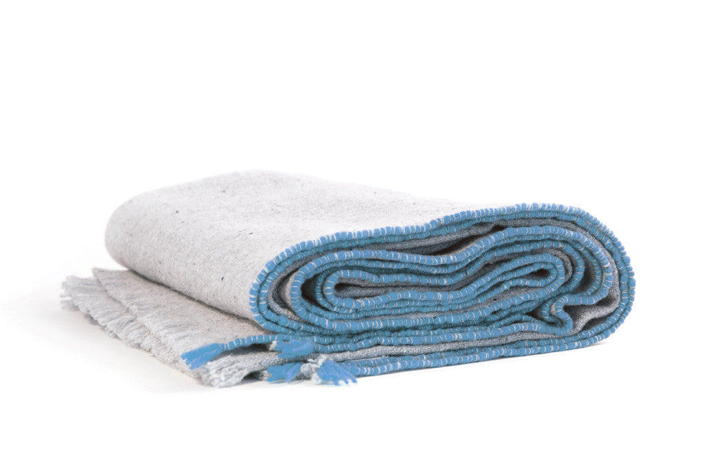 SISTERON MERINO WOOL THROW - BLUE