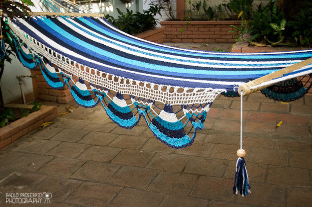 BLUE SKY & CREAM HAMMOCK
