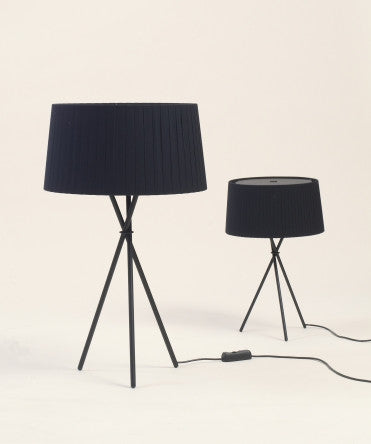 LARGE AND SMALL TRIPODE TABLE LAMP
