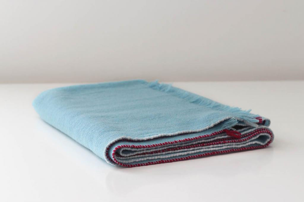 JAZZ CASHMERE THROW IN TURQUOISE