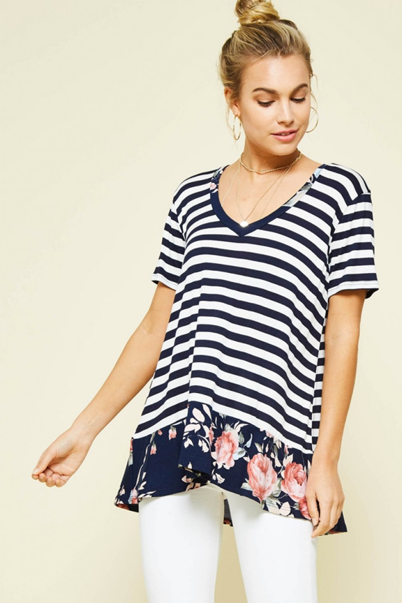 Contrasting Pattern V-neck Tee
