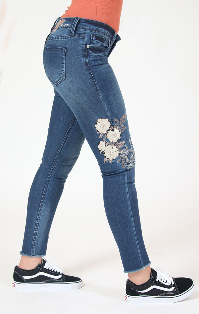 White Floral Embroidered Skinny Jeans | JNW-71044