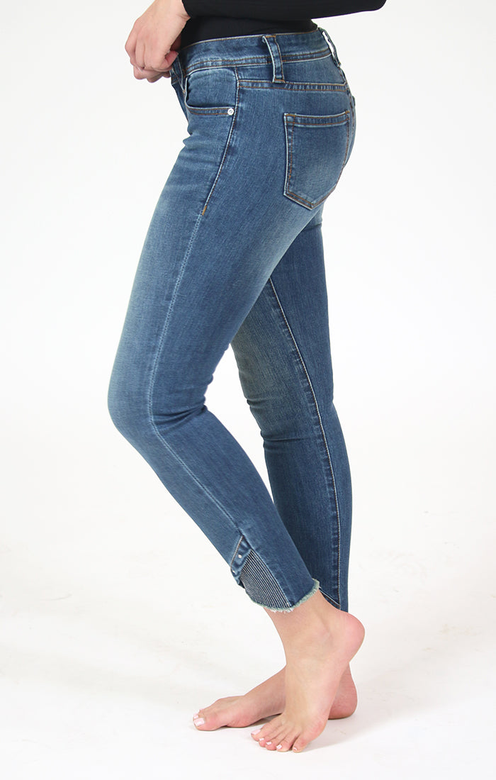 Uneven Hem Ankle Detail Junior Skinny Jeans | JNW-N082