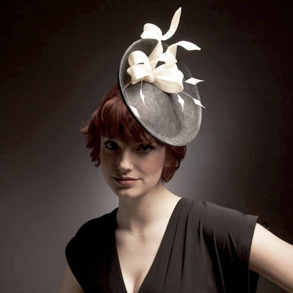 Black and white hat/ hatintor saucer with bow
