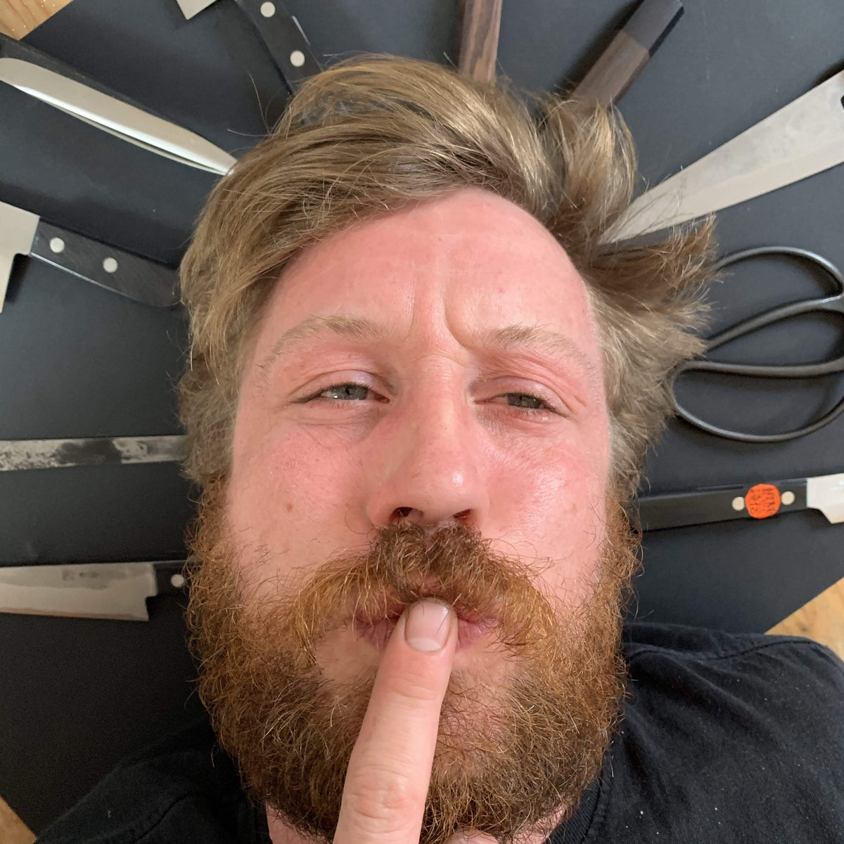 Knife consultation with Tom Saunders - ON THE PHONE