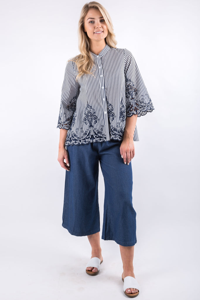 BELLA EMBROIDERY BLOUSE NAVY