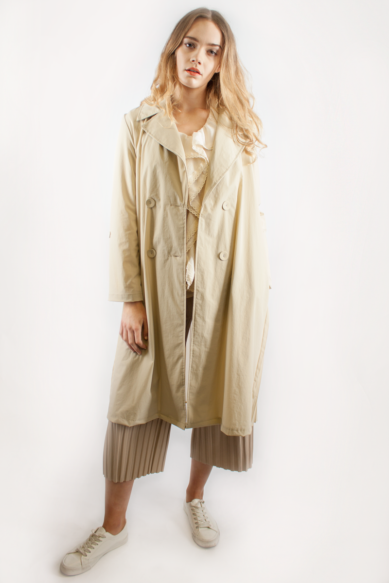 PLEATED TRENCH COAT BEIGE