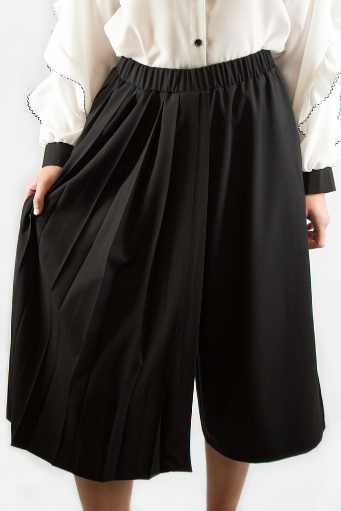 WRAP PLEATED TROUSERS BLACK