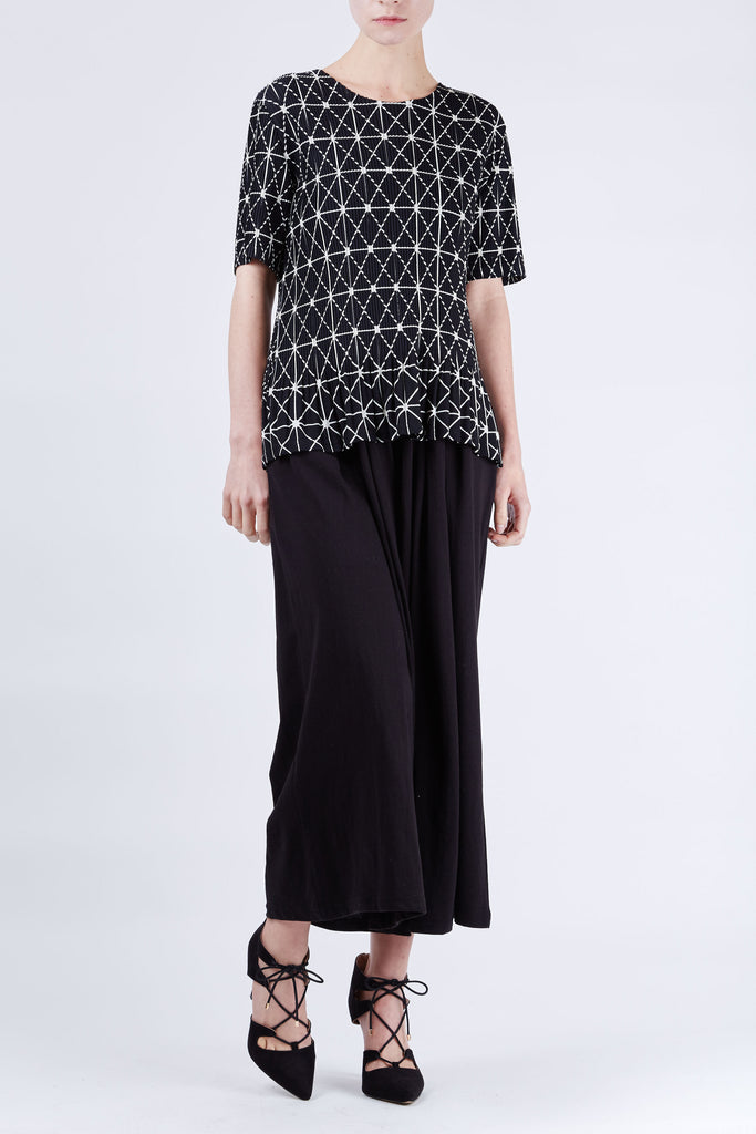 Geometric Pleated Top Black