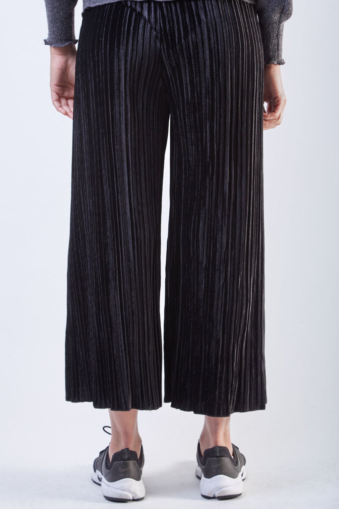 Velvet Pleated Pants Black