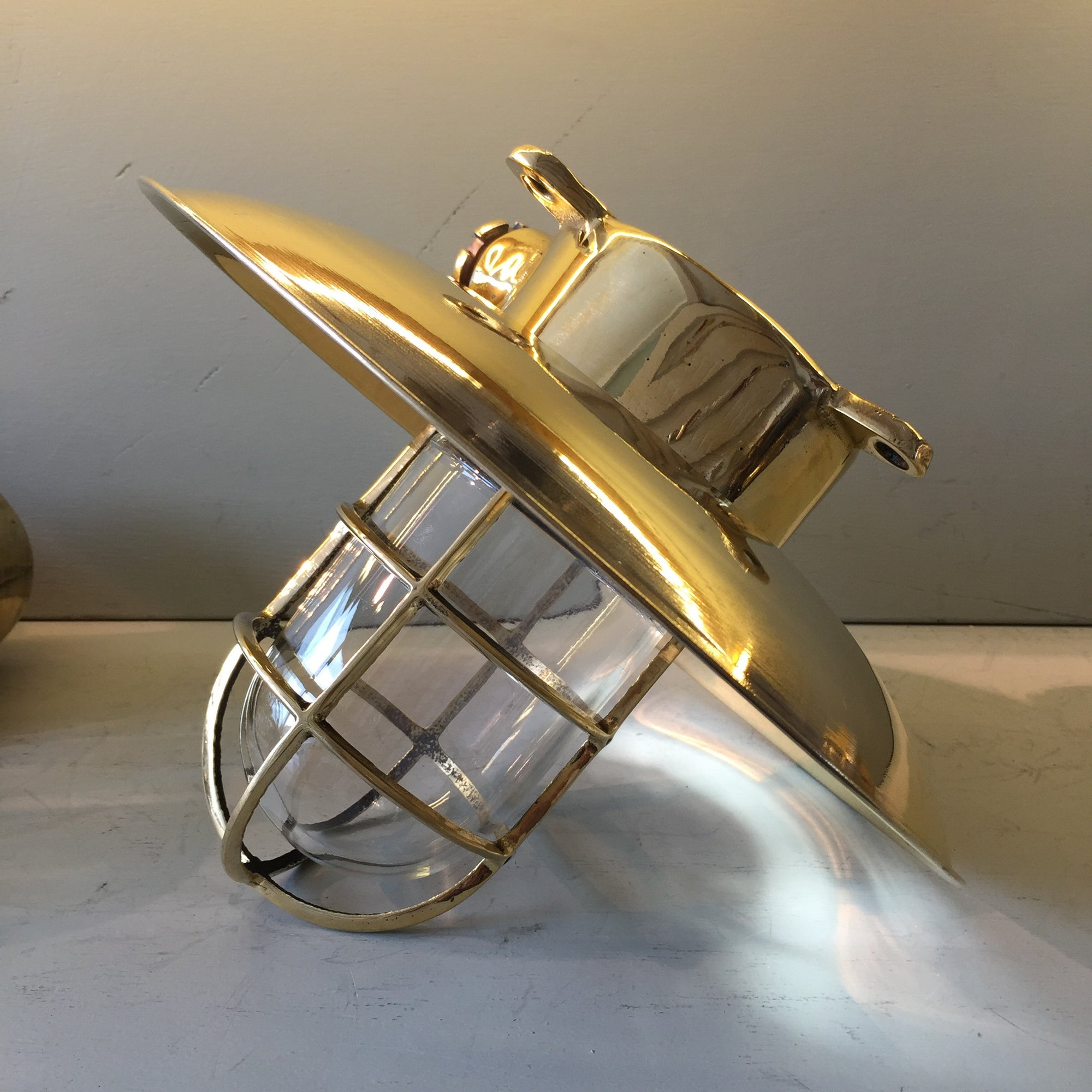 Light - lantern - Original Ship's Light,  brass model 165b