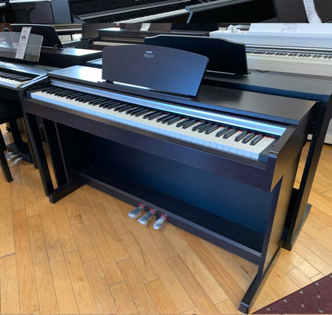 Yamaha YDP-135 Digital Piano - Rosewood