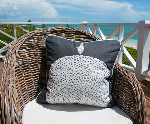 Diving Fish Coral Fish Throw Pillow