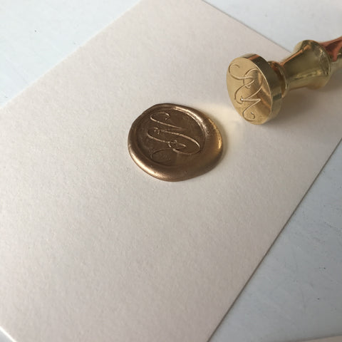 Begginer's Guide to Wax Seals: How to use a wax stamp