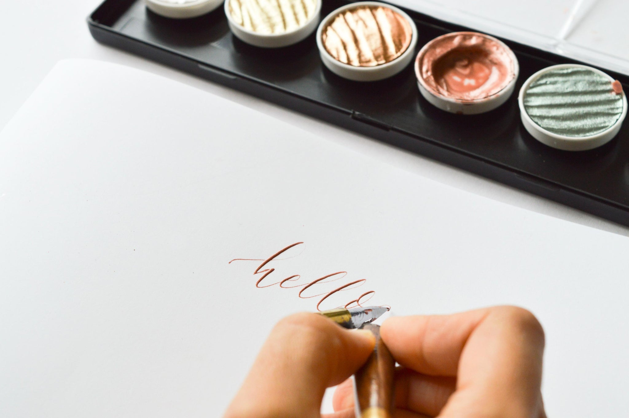 Quill London | Resources, Tips & Tricks | Modern Calligraphy Blog | How To Use The Finetec Palette
